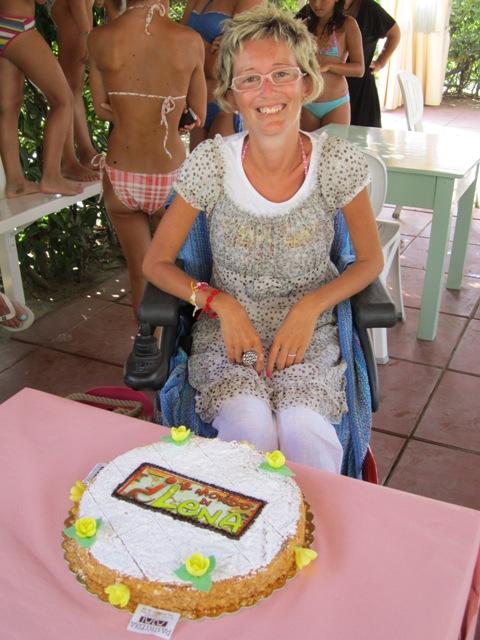 lena-con-torta-blog